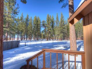 Tahoe Chalet in Center of South Lake Tahoe ~ RA705