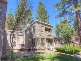 Coeur-Du-Lac Affordable Townhouse by Beach ~ RA672, Incline Village