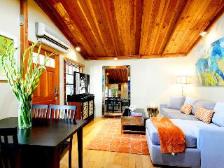Affordable, Upscale Bungalow in Los Angeles ~ RA49052, West Hollywood
