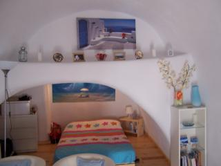 Angelos Lovely house in Santorini, Mesaria