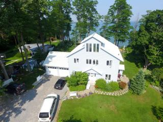 Loughbreeze Bay Cottage, Colborne