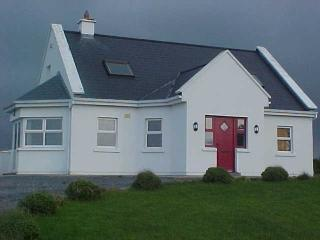 Modern Cottage with Scenic Atlantic Views, Liscannor