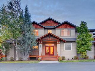 Comfortable family home w/ great Eagle Crest amenities!, Redmond
