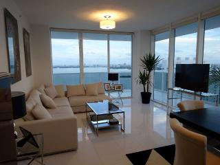 Unique 3 bedrooms on the bay, Miami