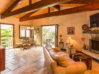 Picturesque 1 Bedroom Guesthouse in Malibu, Westlake Village