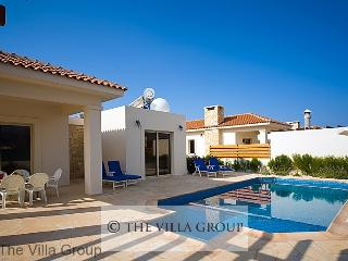 Charming House with 3 BR & 1 BA in Coral Bay (Coral Bay 3 BR & 1 BA House (Villa 18229)), Paphos