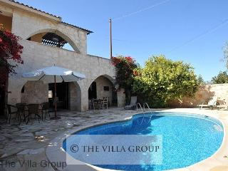 Lovely House with 3 Bedroom & 1 Bathroom in Paphos (Villa 464), Neo Chorion