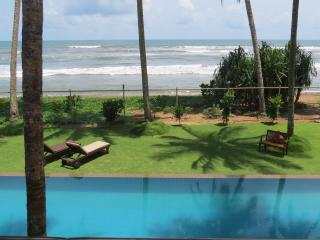 Luxury private beach villa, Wadduwa