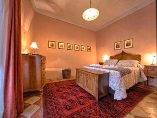 IL PRIORE, elegant apartment in Spoleto centre