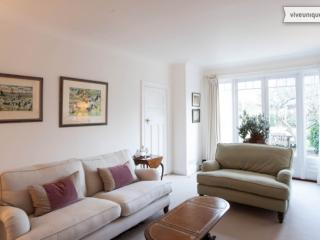 4 bedroom house with garden, Pensford Avenue, Richmond, London