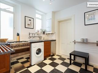 2 bed apartment on Transept St near Hyde Park, Marylebone, London