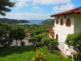 VillaBlancaB&B and House Rental- 4wheeler included, San Juan del Sur