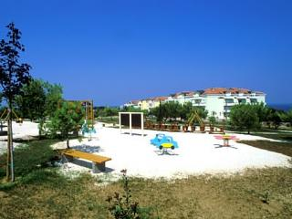 Beach resort 000302 Apartment for 4 persons with 2 extra beds and 2 bedrooms (ID 669), Umag