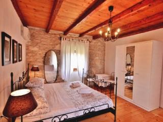 House 000573 Apartment for 4 persons with extra bed and 2 bedrooms (ID 1383), Rabac