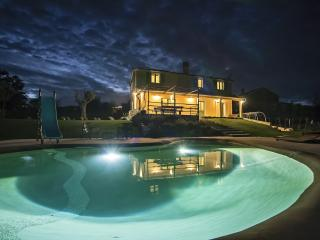 Villa D'Arsa with Garden and Biodesign Pool, Barban