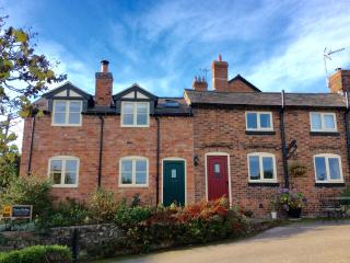 Granary Cottage. Luxurious, welcoming and clean., Broxton