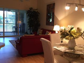 2 Bedroom Waterfront Condo in Gated Community, Fort Myers