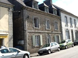 Very Large Maison in Centre of Town, Huelgoat