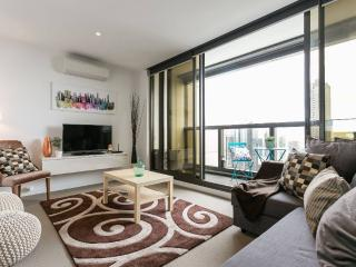 High Floor, Sea View, Spacious, Cozy 2 br2th, Melbourne