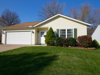 Beautifully Remodeled Home Sleeps 6 Near Akron OH, Cuyahoga Falls