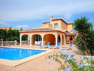 Family-Friendly Spanish Villa in Javea with Private Pool - Casa Arena