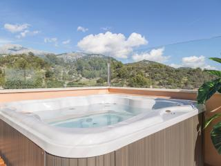 Modern house with ROOFTOP JACUZZI, Mancor de la Vall