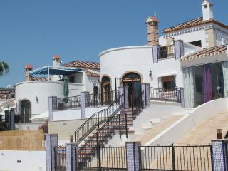 Three Bedroom detached Villa with Salt Water Pool, Algorfa