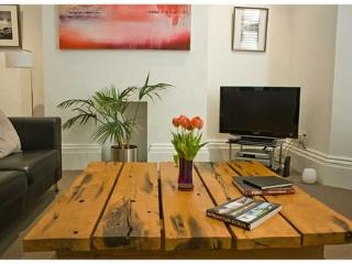 1 bedroom flat in City centre with parking, Brighton