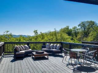 Music City Rooftop Dream Home (12South), Nashville