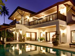 4 Bedroomed Luxury Beach Villa, Lamai Beach