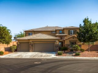 Gate 5 bedroom with a lap pool, Henderson