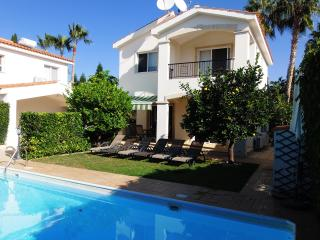 Coral Bay 5 Mins Walk to the Beach - Private Pool, Paphos