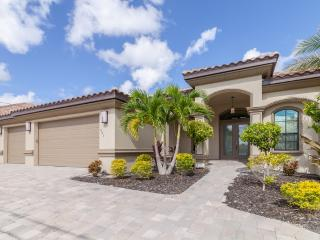 Beach, Boating and Billiards & Heated Pool/Spa, Cape Coral