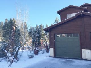 Enjoy the SNOW!! at Beautiful Boulders Condo, Truckee