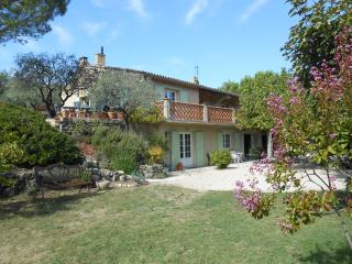 Lovely villa with magnificent views of Mt Ventoux, Vaison-la-Romaine
