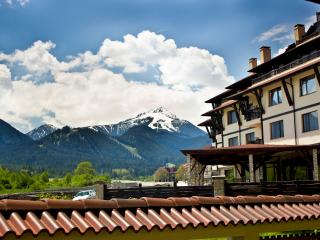 Luxury apartment in front of the ski lift!, Bansko