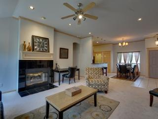 Spacious Edmond Home Fully Furnished