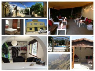 Stay The Knight - Hostel and Summer Huts, Guimar