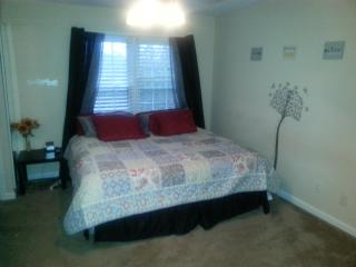 Charming 2bd 2.5 bath in Townhouse in Roswell