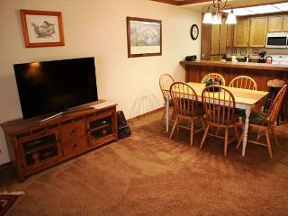 Spacious, Pet-friendly 2 Bedroom/2 Bathroom, Close to Canyon, Free WiFi!, Mammoth Lakes