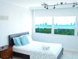 $70 tonight Bay view unit in MIA Beach (12), Miami Beach