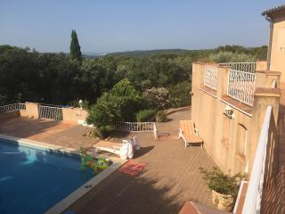 Atypical Family VILLA in Provence - Private Pool, Uchaux