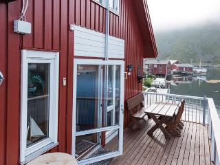 Lofoten: Luxurious apartment - stunning scenery, Ballstad