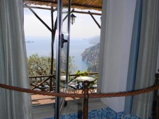 LA TAGLIATA FARMHOUSE DEAL FOR2 in APRIL, Positano