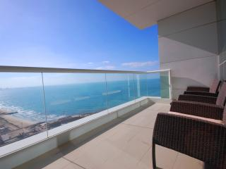 Amazing 2 Bed with Private Beach in JBR, Dubai