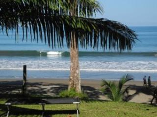 Pure beachfront, private, self contained house., Drake Bay