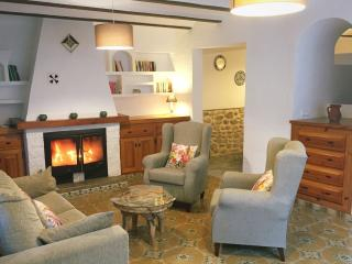 Village cottage in a picturesque valley with views, Vall de Gallinera