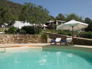 Lovely authentic farmhouse, close to San José, Sant Josep de Sa Talaia