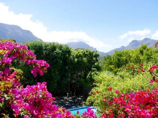 A quiet and private family holiday home, Hout Bay