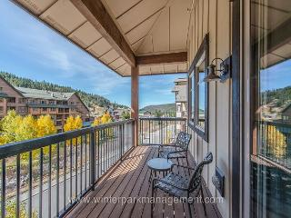 Walk to the slopes. 2 bedroom condo @ Fraser Crossing, Winter Park
